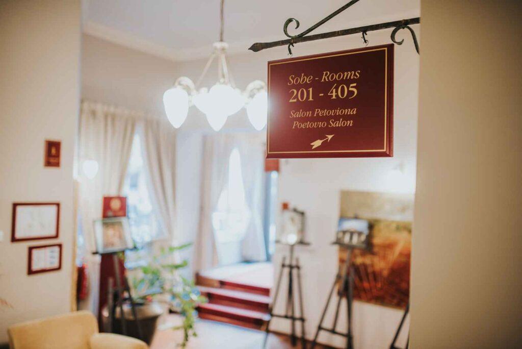 Premik med nadstropji v Hotelu Mitra Ptuj