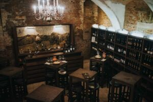 Druženja v vinski kleti Osterberger v Hotelu Mitra Ptuj
