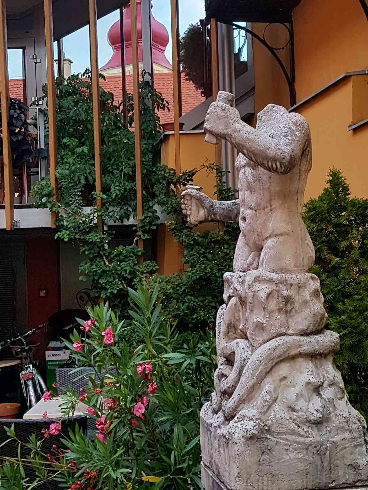 Kip Mitre na Mitrovem vrtu v Hotelu Mitra Ptuj