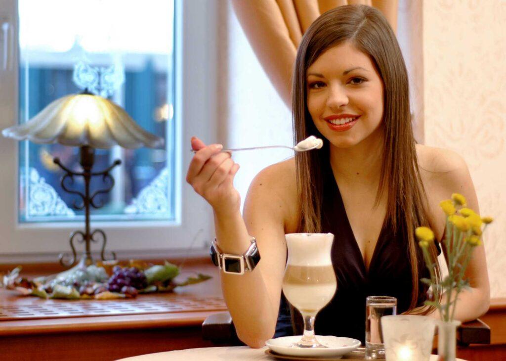 Prijetno vzdušje v Kavarni Kipertz - Hotel Mitra Ptuj